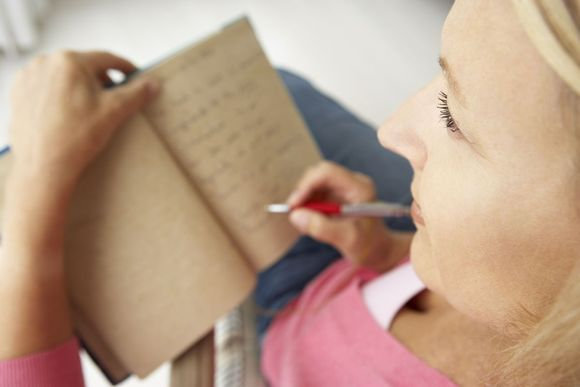 5 Tips For Writing A Gratitude Journal (And Keeping At It!)