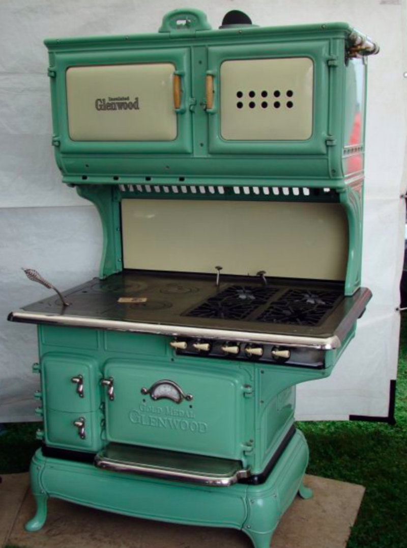 Vintage Electric Stoves ~ See what s cookin with this spotlight on antique stoves