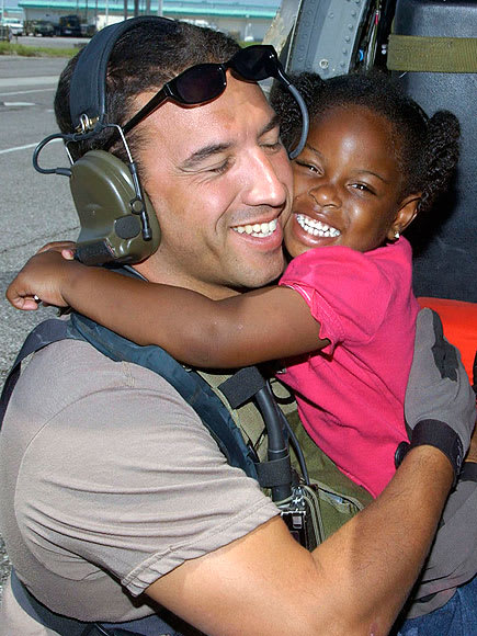 This picture launched a campaign to #FindKatrinaGirl