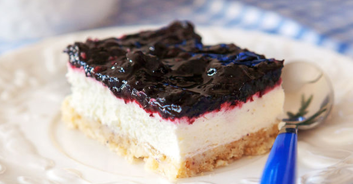 One Of The Easiest (And Tastiest) Cheesecake Recipes We've Come Across!
