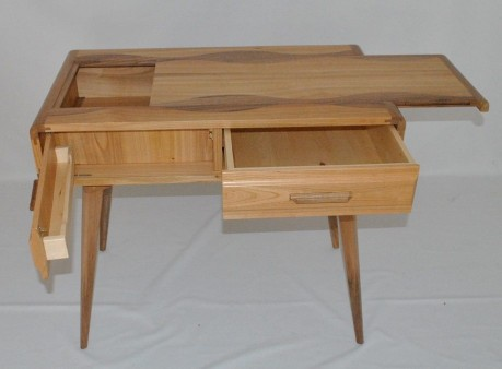 My name is Gregory Delmas, I am a French carpenter, and I would show you my work. Hoping that you like it.