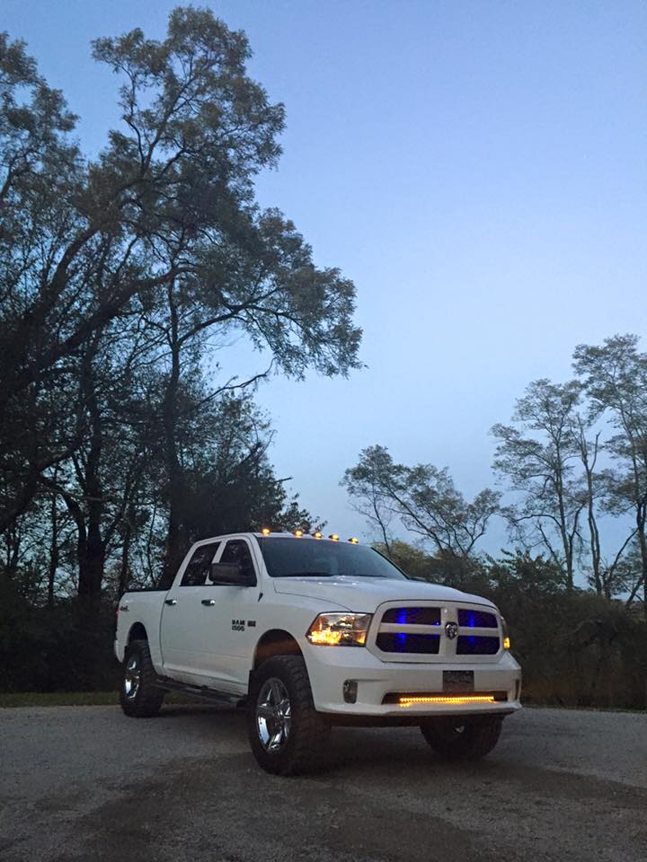 2015 ram 1500 with 4 inch lift with 35's