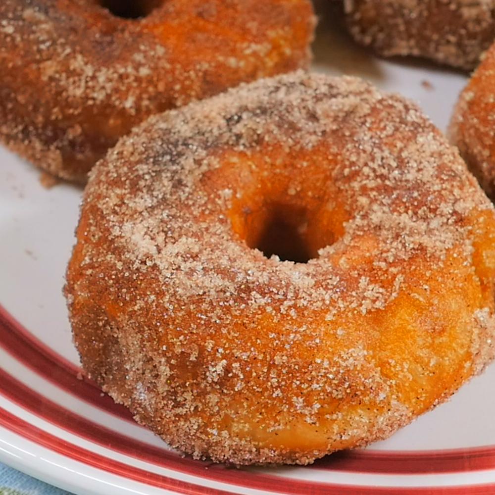 donuts.00_00_26_12.Still008