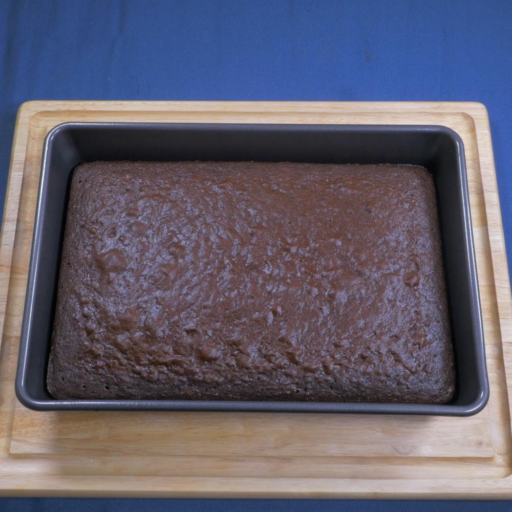 Oreo Poke Cake.00_00_11_06.Still005
