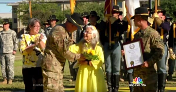 Laird receiving the Yellow Rose of Texas