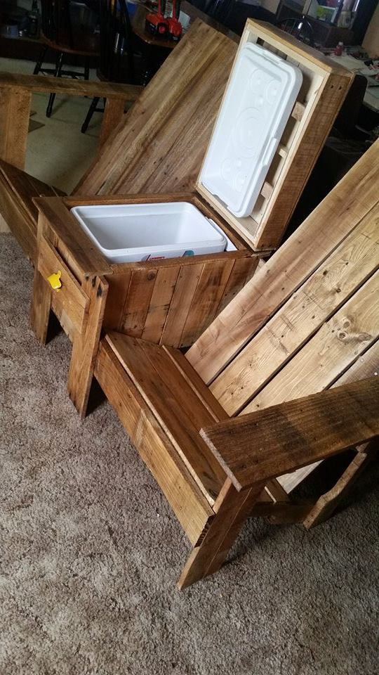 From Roy Andreen: Adirondack Jack and Jill bench with cooler,  made from pallets
