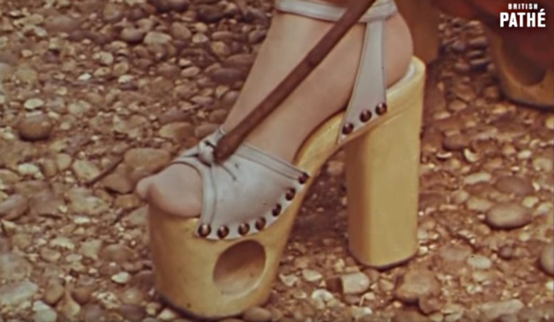 From: Youtube / Vintage Fashions