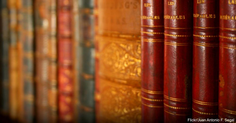 Antique books / Via Juan Antonio F. Segal