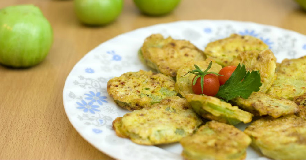Be The Star Of Your Next Potluck With These Fried Green Tomatoes