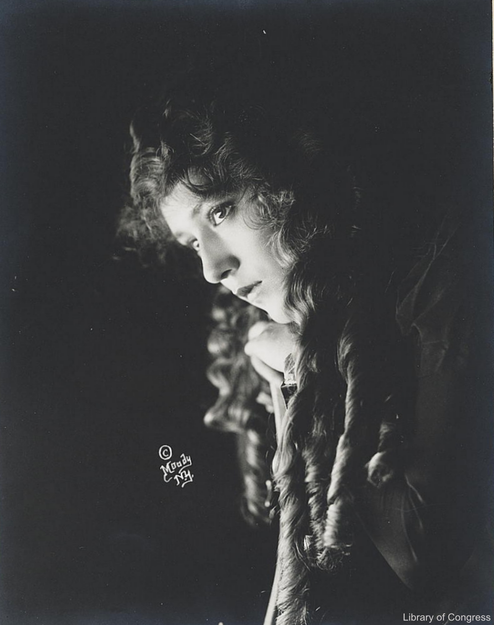Mary Pickford in Shadow