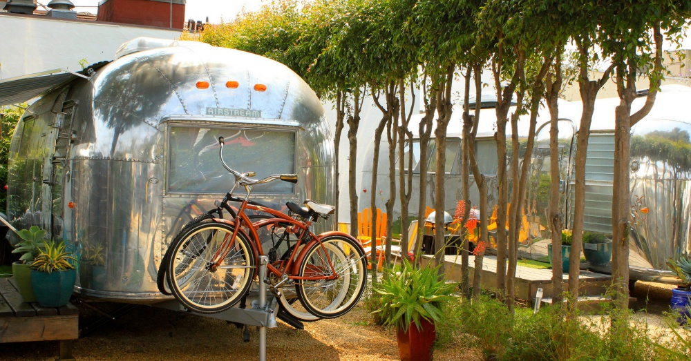 Auto Camp Santa Barbara / Via leyla.a