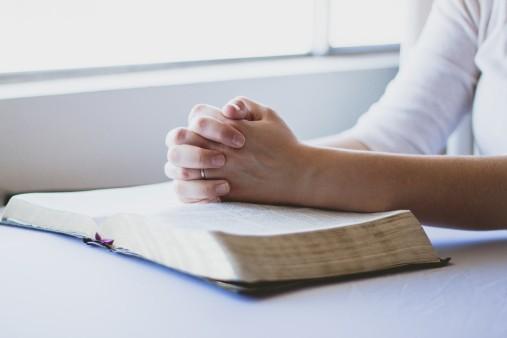 prayer-1308663_960_720
