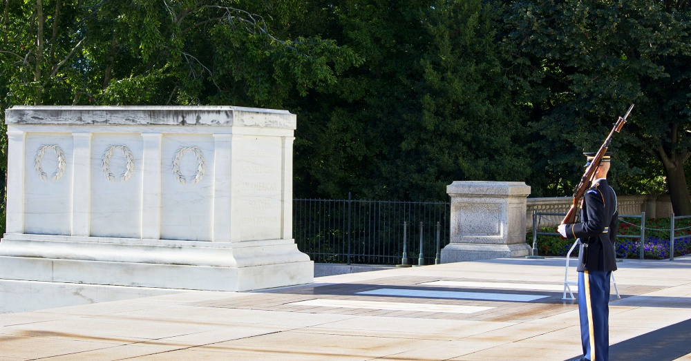 Tomb of the Unknown Soldier / Via Tim Evanson