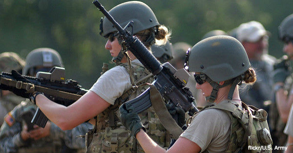 women-combat3 flickr:U.S. Army