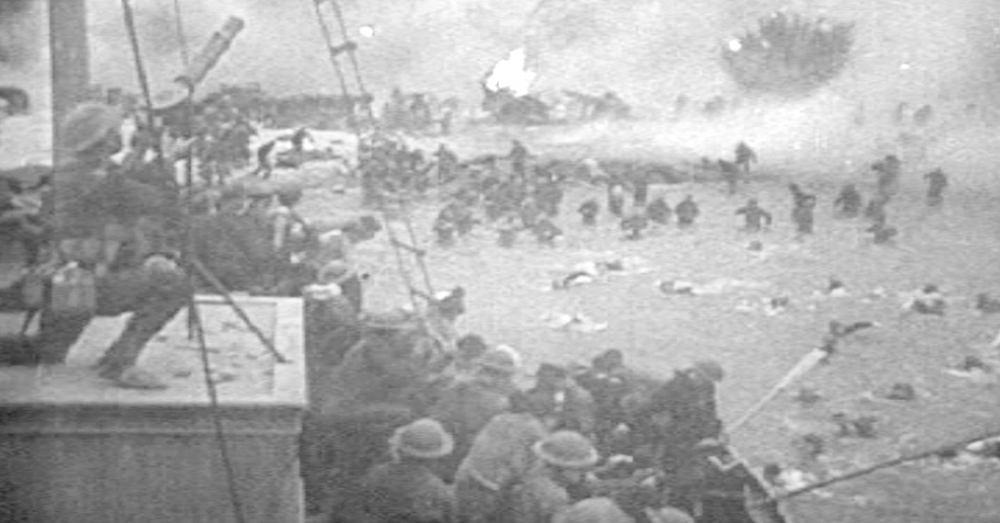 Photo: Wikimedia Commons/U.S. War Department -- British troops escaping from Dunkirk, France in 1940.