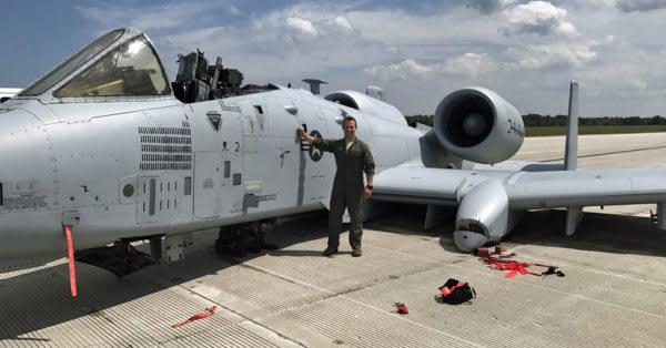 Source: U.S. Air Force Capt. Brett DeVries stands near an A-10 Thunderbolt
