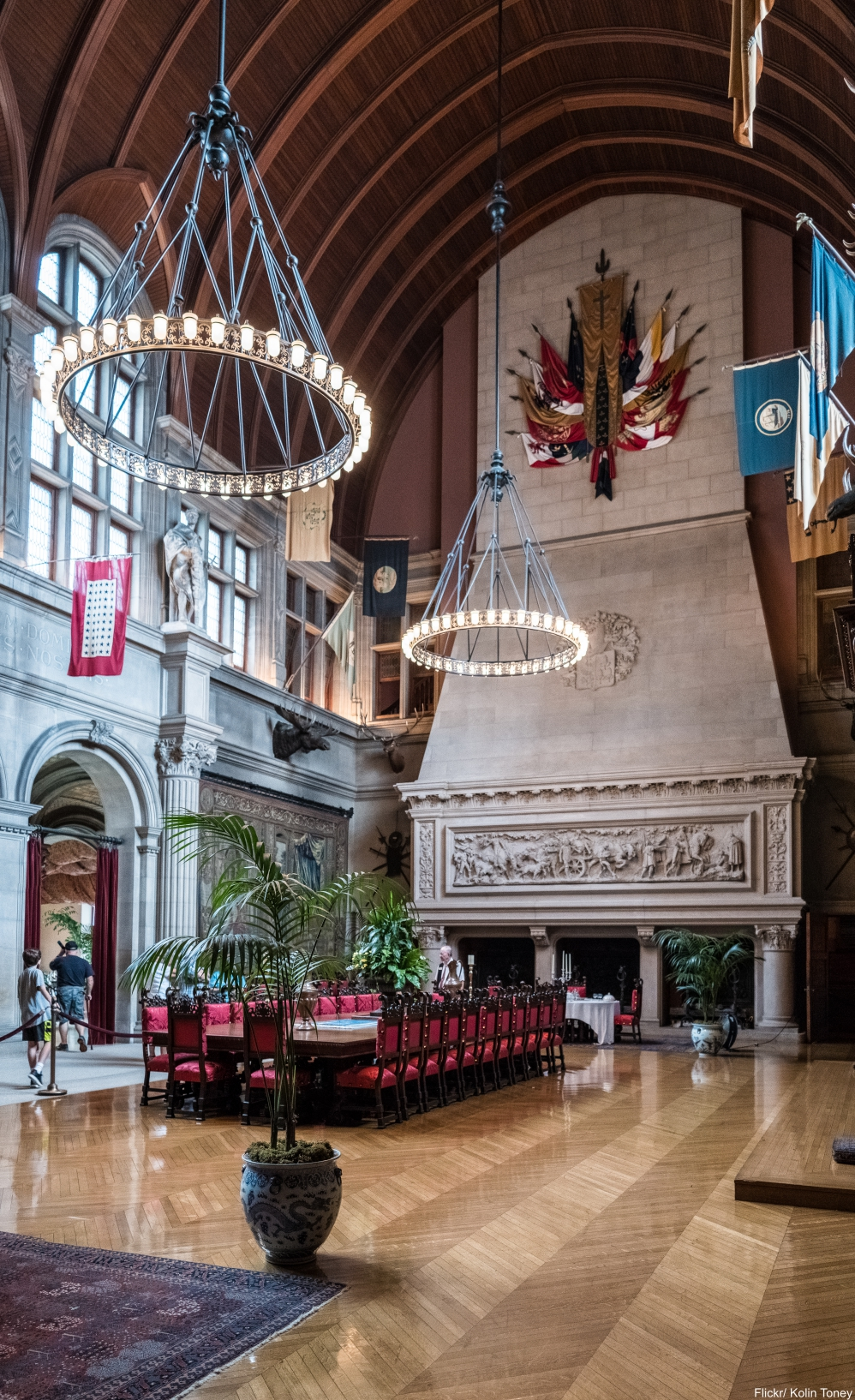 Tour Inside The Massively Charming Biltmore Estate Each