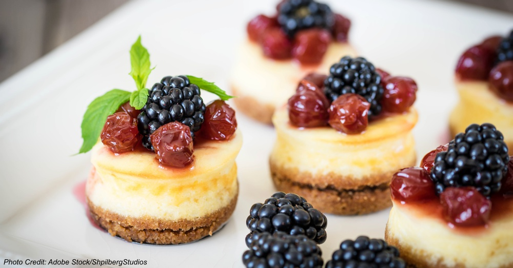 Mini cheesecake with cherry