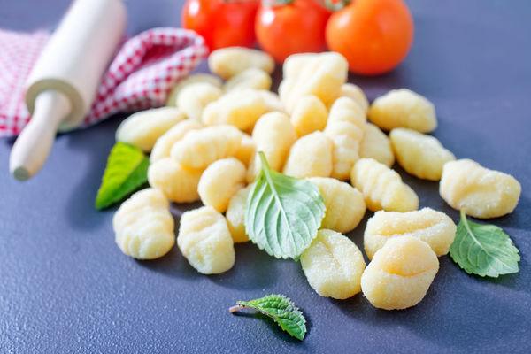 How To Make Potato Gnocchi – 12 Tomatoes