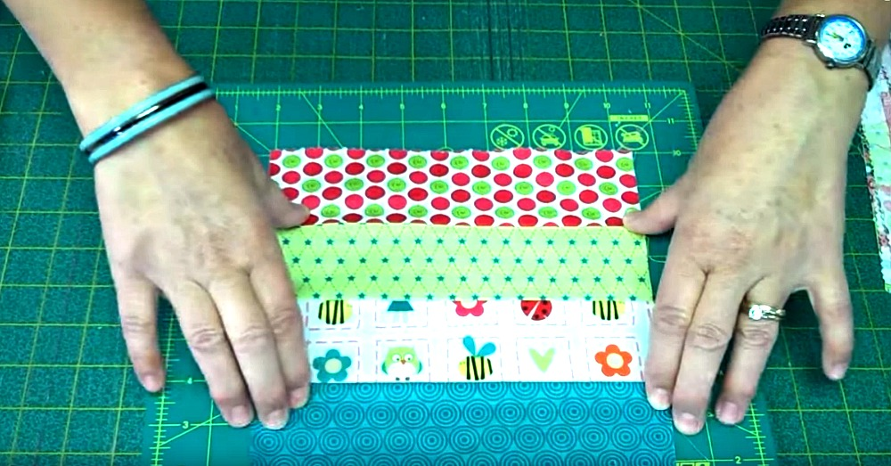 the-possibilities-are-endless-with-this-awesome-jelly-roll-quilt-pattern-2