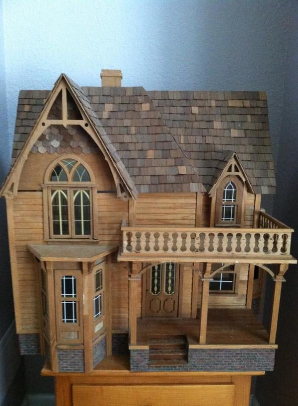 These Vintage Doll Houses Are Great But The Memories That
