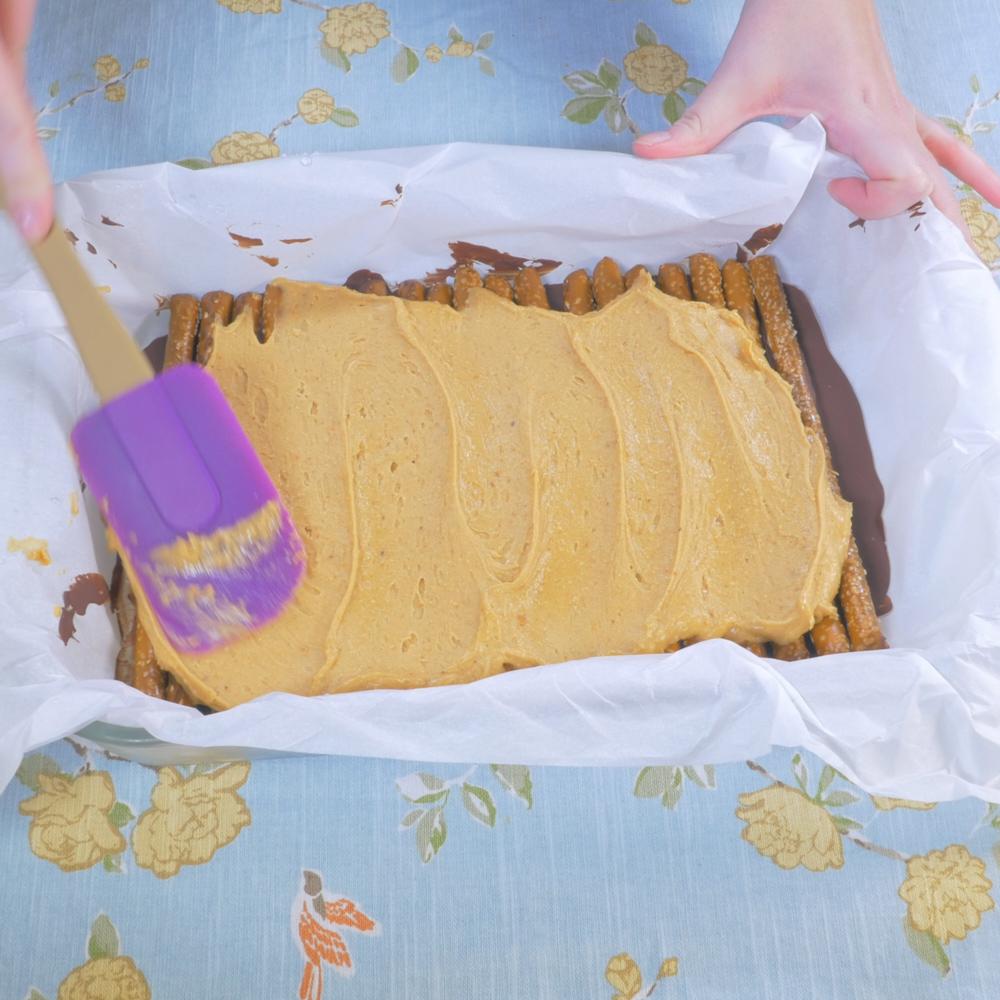 Chocolate Peanut Butter Pretzel Bars.00_00_19_17.Still010