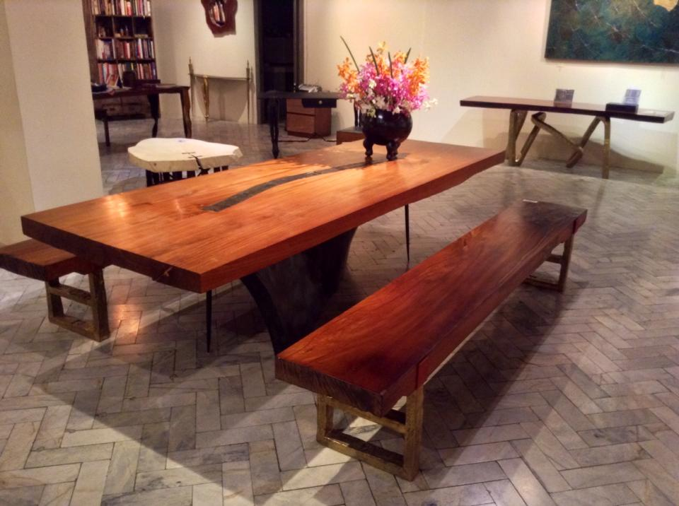 Large dining table Rosewood top laminated thick panels. Bronze leg. H. 76cm, L. 300cm, W. 118cm. Made by OLD WOOD in Thailand