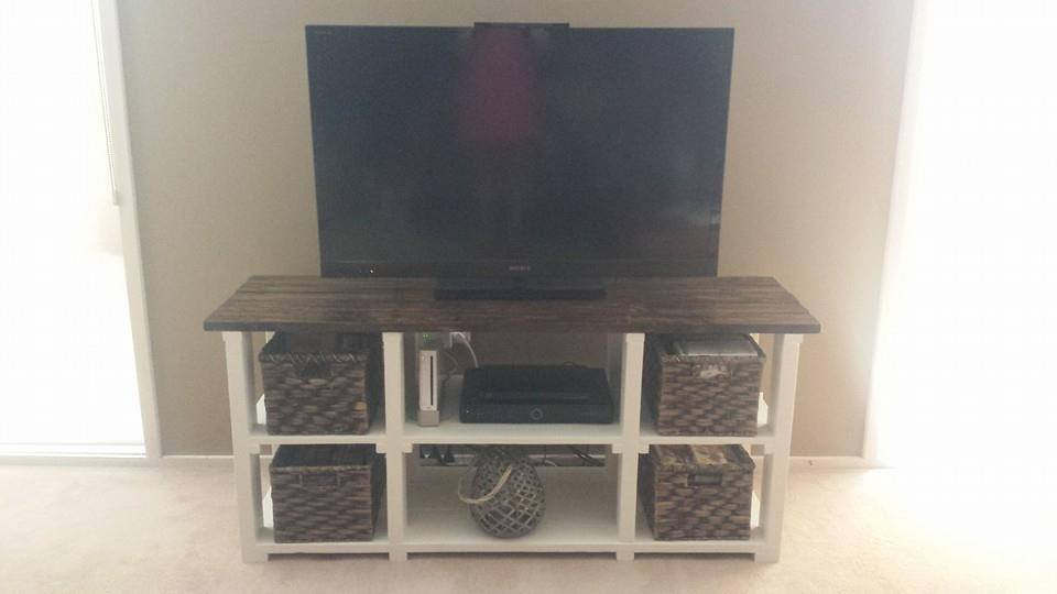 From Kent Olsen: TV unit made from pallets
