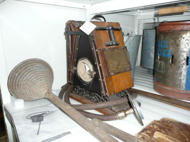 From: Queensland Museum Talks Science / Paul Brandon