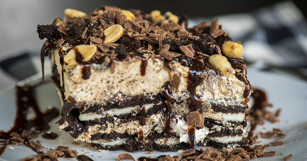 Sep 20,  · Peanut Butter Oreo Cake written by Haley September 20, This peanut butter Oreo cake features three layers of chocolate cake, peanut butter cookies and cream frosting, and a decadent chocolate peanut butter ganache.5/5(1).