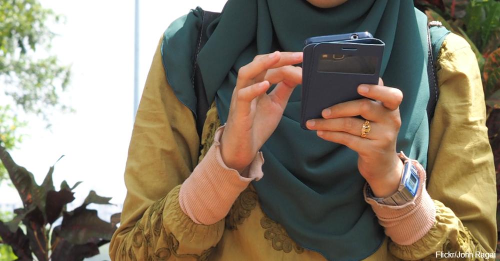 cs-crochet-touchscreen-gloves-1