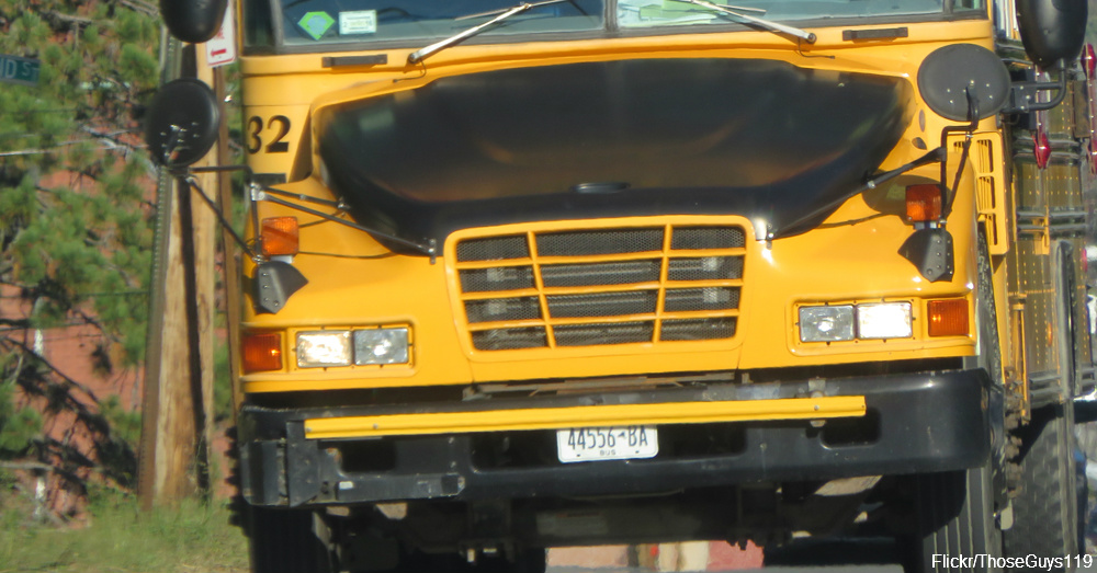Head Start school bus similar to the one that Phillips drove / Via ThoseGuys119