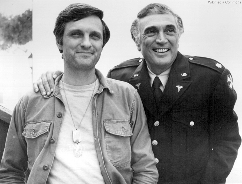 Alan Alda and Robert Alda on MASH Set 1975