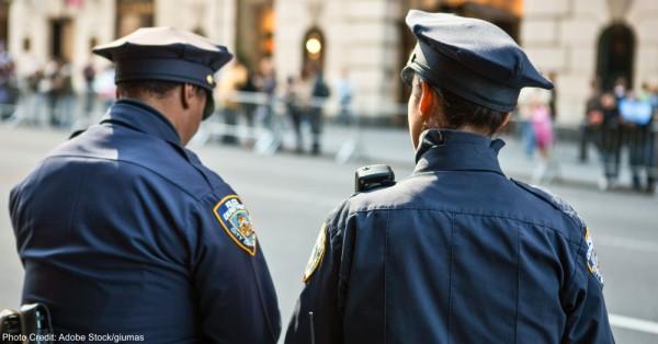 U.S.A., New York, Manhattan,policemen on the 5th avenue