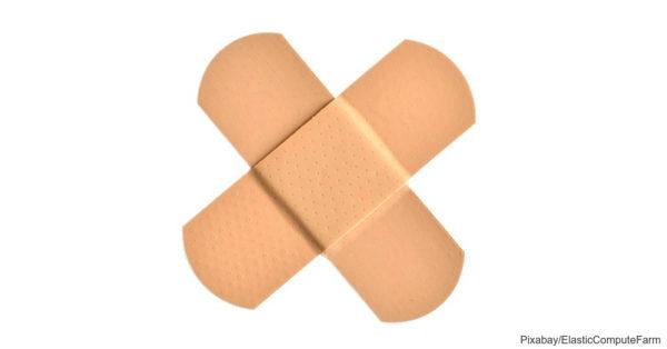 src: https://pixabay.com/en/cotton-swabs-flexible-rods-592148/