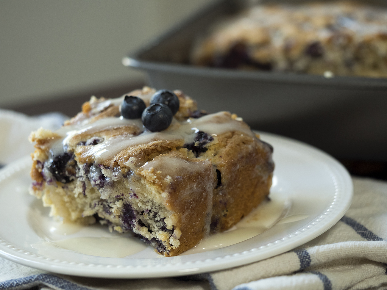 Blueberry Buttermilk Breakfast Cake – 12 Tomatoes