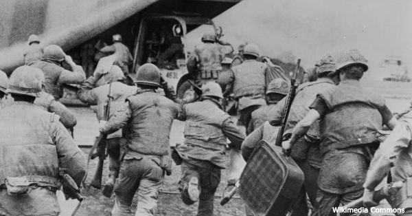 The final evacuation from the Khe Sanh base complex.
