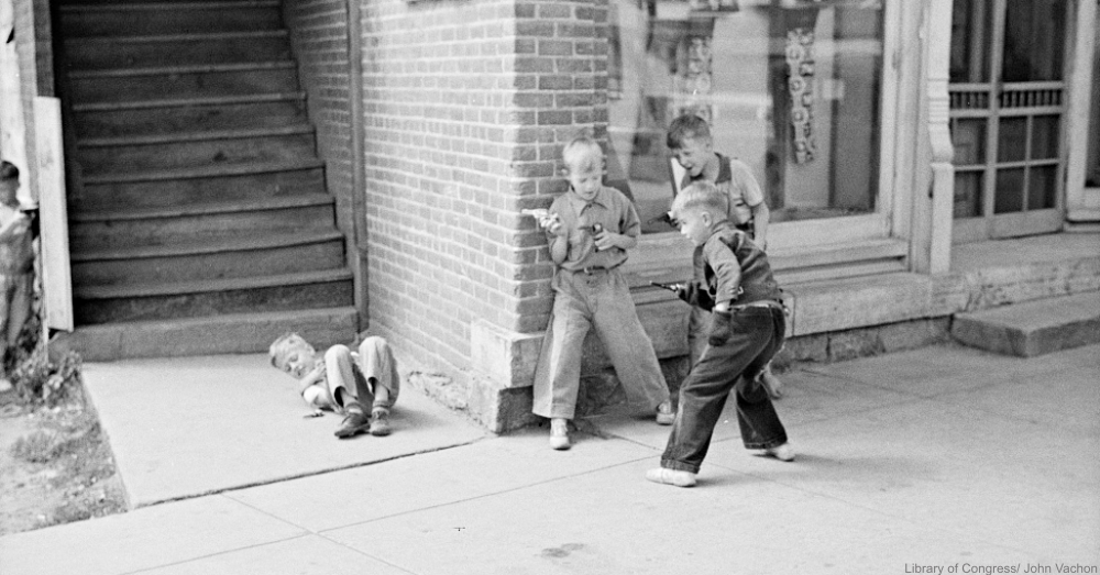 Toy Gun Fight 1939