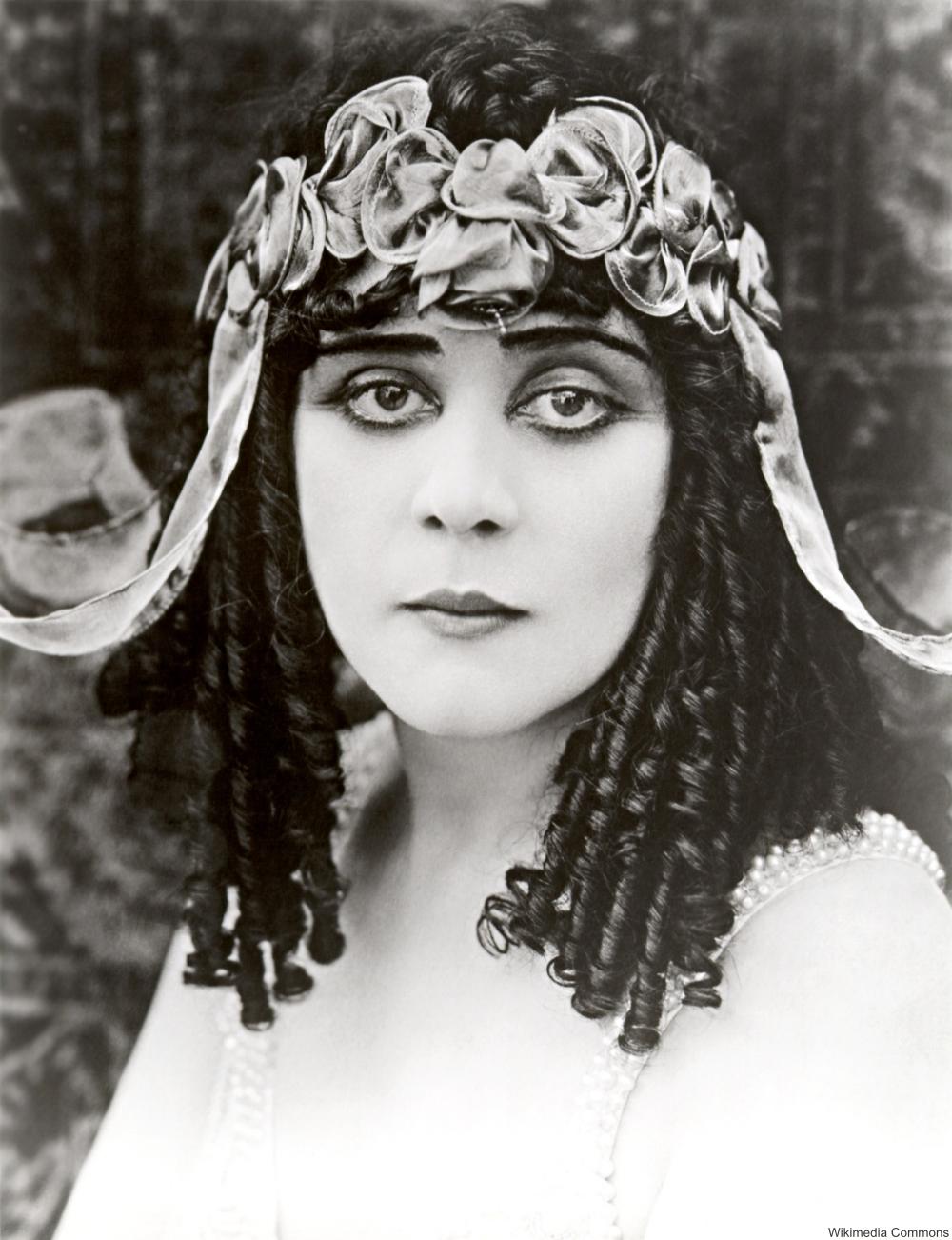 Theda Bara 1917