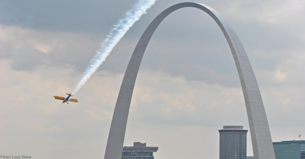 Flight Over St. Louis Arch