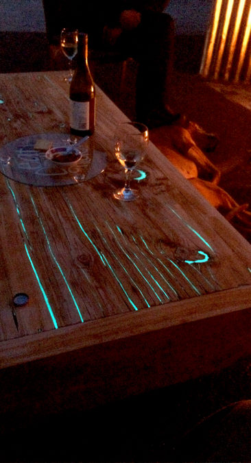 glow-table