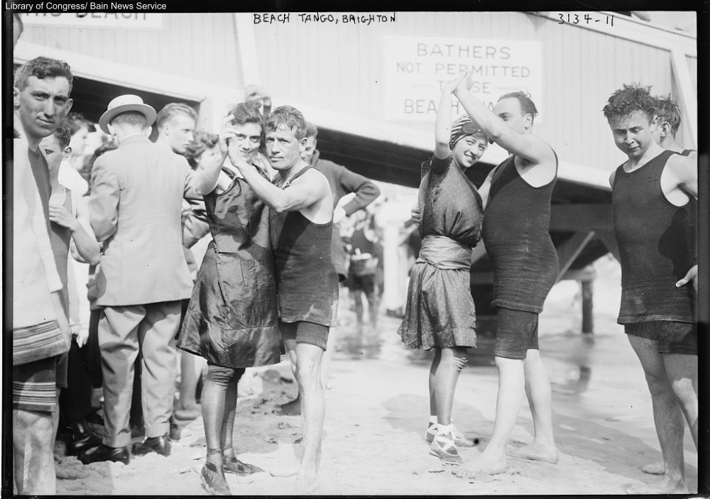 bathers dancing on the brighton beach 1910s