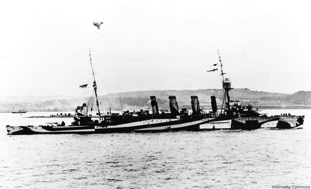 HMAS MELBOURNE in wartime dazzle paint 1918.