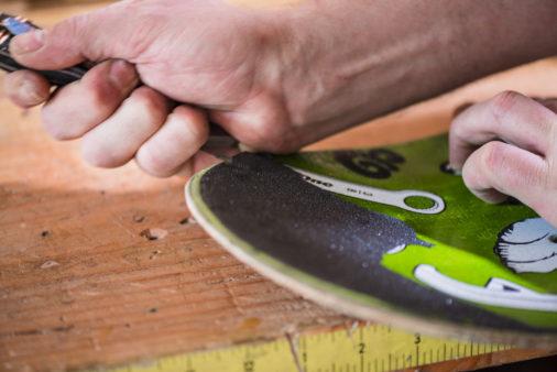 skateboard photos_2 - use a knife to detach griptape