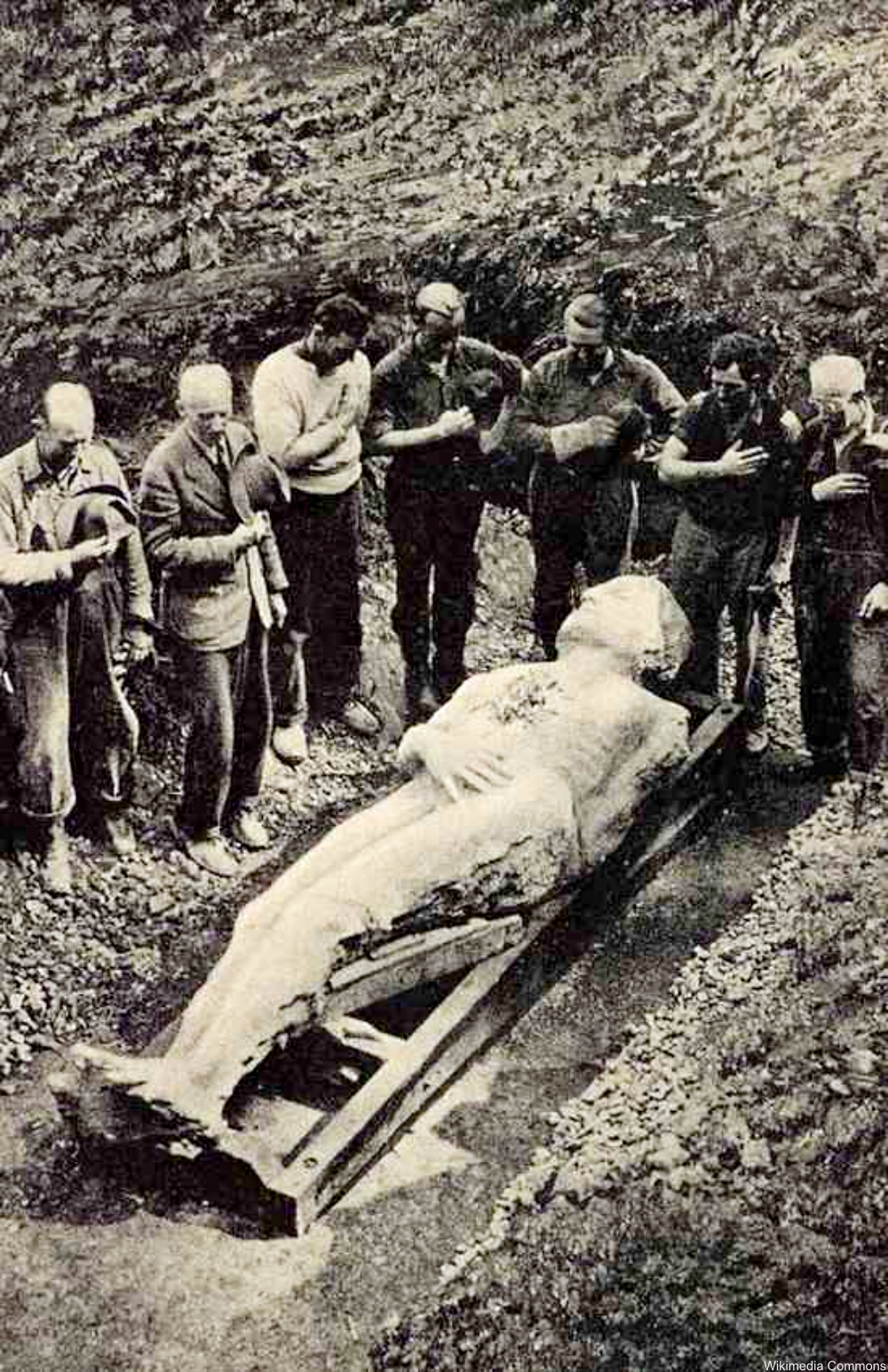 Excavation of the Cardiff Giant in 1869