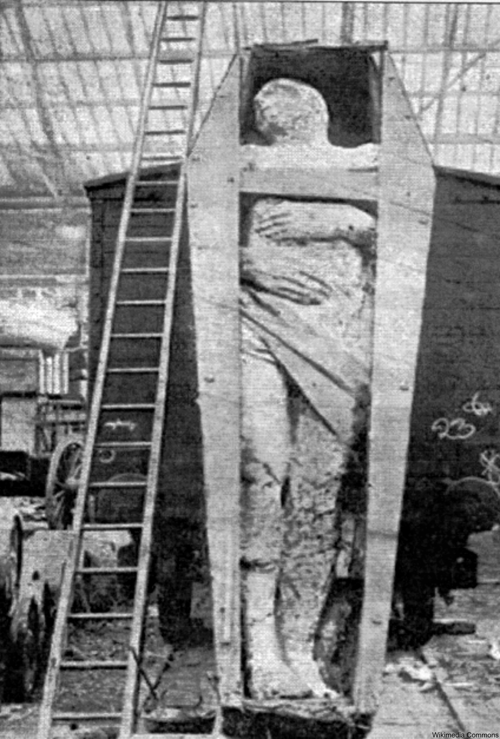Antrim Giant, possibly inspired by the Cardiff Giant