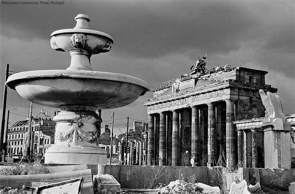 Brandenburg Gate WWII damaged.