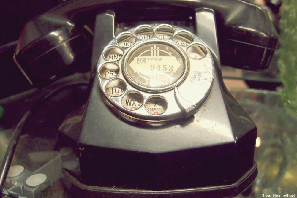 rotary phone - Technology Items We Miss