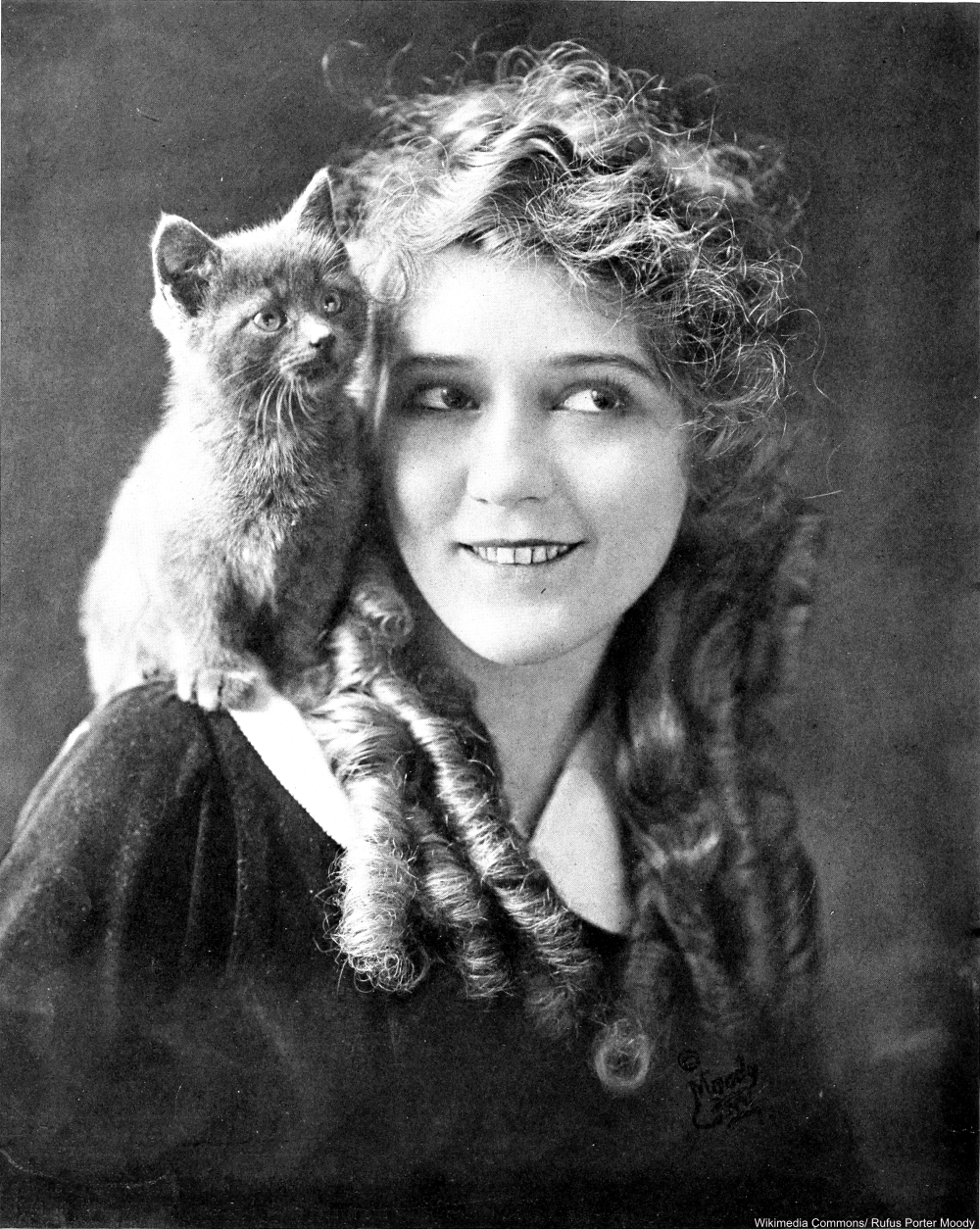 Cat Lovers Throughout History