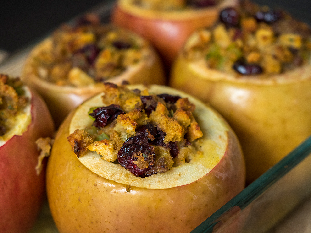 Savory Stuffing-Stuffed Baked Apples – 12 Tomatoes